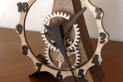 horloge artisanale en bois Francine par Roland Dutoya