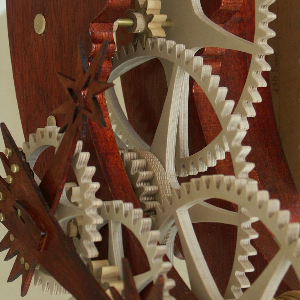 pignons engrenage horloge bois Lunaire Roland Dutoya
